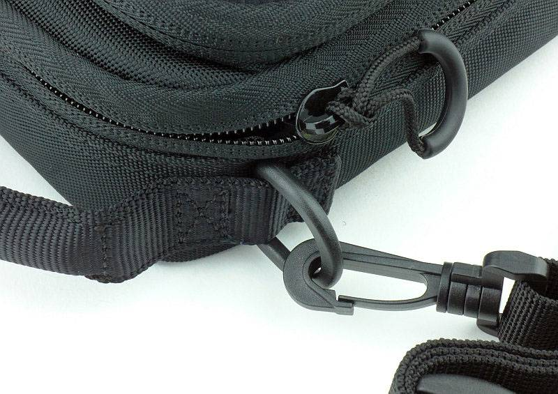 photo 24 NC Pouches NUP20 strap clip P1230561.jpg
